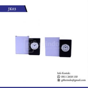 JK03 Jam Meja Kulit