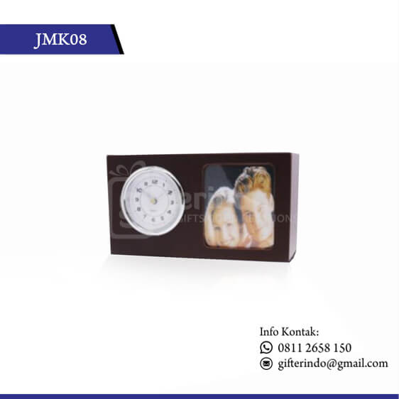 JMK08 Jam Kayu dan Tempat Foto
