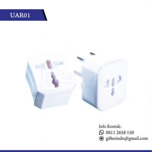 UAR01 Gadget Accesories Travel Adaptor