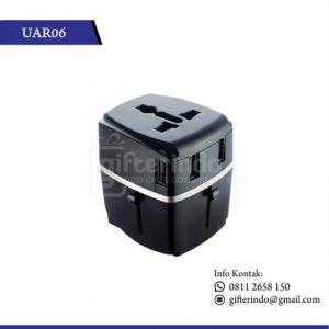 UAR06 Gadgets Accesories Travel Adapter 4 Port